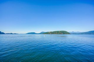 """Main Photo: 13 OCEAN POINT Drive in West Vancouver: Howe Sound House for sale in """"Ocean Point"""" : MLS®# R2428189"""
