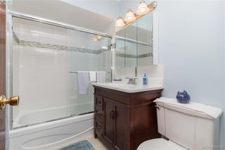 Photo 5: 4931 Old West Saanich Rd in VICTORIA: SW Royal Oak House for sale (Saanich West)  : MLS®# 831588