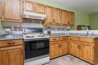 Photo 8: 4931 Old West Saanich Rd in VICTORIA: SW Royal Oak House for sale (Saanich West)  : MLS®# 831588