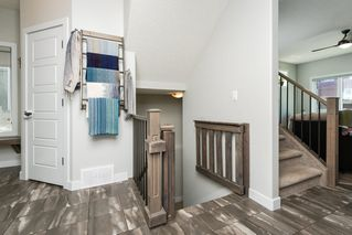 Photo 3: 1231 STARLING Drive in Edmonton: Zone 59 House for sale : MLS®# E4201222