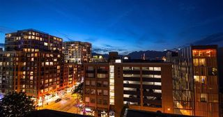 """Photo 1: 803 718 MAIN Street in Vancouver: Strathcona Condo for sale in """"GINGER"""" (Vancouver East)  : MLS®# R2464715"""
