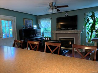Photo 9: 2402 Selwyn Rd in Langford: La Thetis Heights Single Family Detached for sale : MLS®# 843893