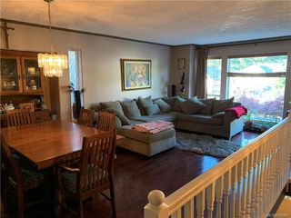 Photo 8: 2402 Selwyn Rd in Langford: La Thetis Heights Single Family Detached for sale : MLS®# 843893