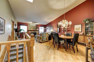Photo 4: 740 WILKIN Close in Edmonton: Zone 22 House Half Duplex for sale : MLS®# E4208827