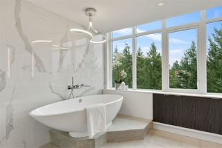 Photo 21: 902 14824 NORTH BLUFF Road: White Rock Condo for sale (South Surrey White Rock)  : MLS®# R2510554