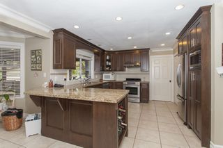 Photo 6: 1823 136A Street in South Surrey: Home for sale : MLS®# F1440476