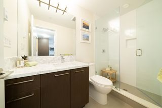 Photo 4: 404 28 E ROYAL Avenue in New Westminster: Fraserview NW Condo for sale : MLS®# R2521524
