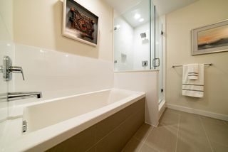 Photo 7: 404 28 E ROYAL Avenue in New Westminster: Fraserview NW Condo for sale : MLS®# R2521524
