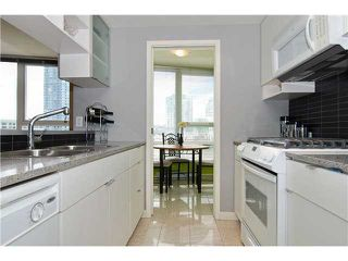 "Photo 4: 802 939 EXPO Boulevard in Vancouver: Downtown VW Condo for sale in ""Max II"" (Vancouver West)  : MLS®# V877511"