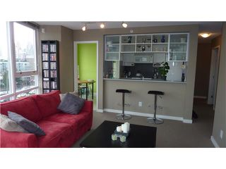 "Photo 3: 802 939 EXPO Boulevard in Vancouver: Downtown VW Condo for sale in ""Max II"" (Vancouver West)  : MLS®# V877511"