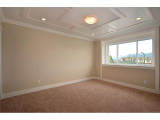 Photo 5: 3734 LINWOOD Street in Burnaby: Burnaby Hospital House 1/2 Duplex for sale (Burnaby South)  : MLS®# V902100