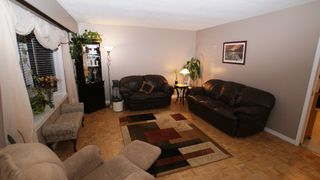 Photo 6: 114 Pembridge Bay in Winnipeg: St Vital Residential for sale (South East Winnipeg)  : MLS®# 1220901
