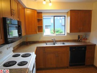Photo 4: 6191 E GREENSIDE Drive in Surrey: Cloverdale BC Condo for sale (Cloverdale)  : MLS®# F1218996