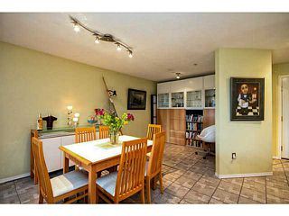 "Photo 5: 202 760 KINGSWAY in Vancouver: Fraser VE Condo for sale in ""Kingsgate Manor"" (Vancouver East)  : MLS®# V1035809"