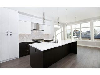 Photo 4: 2206 26 Street SW in CALGARY: Killarney_Glengarry Residential Attached for sale (Calgary)  : MLS®# C3597938