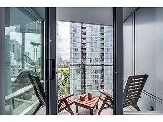 "Photo 5: 1106 1495 RICHARDS Street in Vancouver: Yaletown Condo for sale in ""AZURA II"" (Vancouver West)  : MLS®# V1068799"