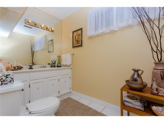 "Photo 10: 5 11291 7TH Avenue in Richmond: Steveston Villlage Townhouse for sale in ""MARINER'S VILLAGE"" : MLS®# V1084795"
