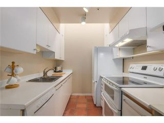 """Photo 4: 3023 WILLOW Street in Vancouver: Fairview VW Townhouse for sale in """"Willow West"""" (Vancouver West)  : MLS®# V1089484"""