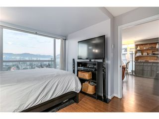 "Photo 14: 804 2770 SOPHIA Street in Vancouver: Mount Pleasant VE Condo for sale in ""STELLA"" (Vancouver East)  : MLS®# V1102664"