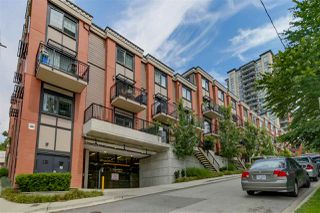 "Photo 2: 35 838 ROYAL Avenue in New Westminster: Downtown NW Townhouse for sale in ""BRICKSTONE WALK II"" : MLS®# R2077794"