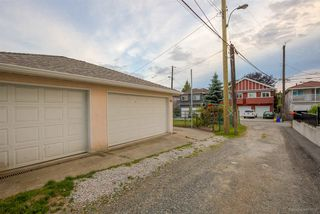 """Photo 18: 225 E 36TH Avenue in Vancouver: Main House for sale in """"MAIN"""" (Vancouver East)  : MLS®# R2082784"""
