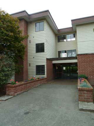 "Photo 1: 207 1909 SALTON Road in Abbotsford: Central Abbotsford Condo for sale in ""FOREST VILLAGE (BIRCHWOOD BUILDING)"" : MLS®# R2106786"