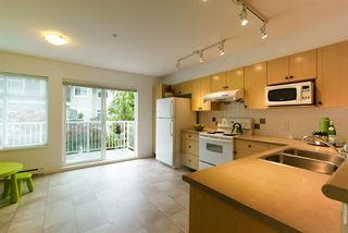 """Photo 4: 78 20760 DUNCAN Way in Langley: Langley City Townhouse for sale in """"WYNDHAM LANE"""" : MLS®# R2107044"""