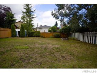 Photo 12: 1356 McNair St in VICTORIA: Vi Mayfair House for sale (Victoria)  : MLS®# 742667