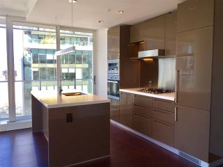 """Photo 5: 2106 777 RICHARDS Street in Vancouver: Downtown VW Condo for sale in """"TELUS GARDEN"""" (Vancouver West)  : MLS®# R2114669"""