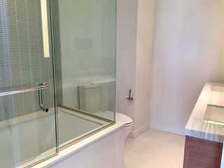 """Photo 6: 2106 777 RICHARDS Street in Vancouver: Downtown VW Condo for sale in """"TELUS GARDEN"""" (Vancouver West)  : MLS®# R2114669"""