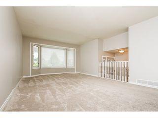 Photo 3: 12159 LINDSAY Place in Maple Ridge: Northwest Maple Ridge House for sale : MLS®# R2115551