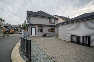 """Photo 3: 21019 77 Avenue in Langley: Willoughby Heights House for sale in """"Yorkson"""" : MLS®# R2123181"""