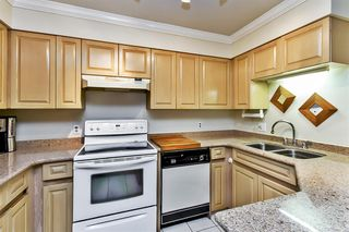 """Photo 5: 107 1955 SUFFOLK Avenue in Port Coquitlam: Glenwood PQ Condo for sale in """"OXFORD PLACE"""" : MLS®# R2144804"""