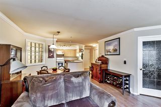 """Photo 3: 107 1955 SUFFOLK Avenue in Port Coquitlam: Glenwood PQ Condo for sale in """"OXFORD PLACE"""" : MLS®# R2144804"""