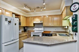 """Photo 4: 107 1955 SUFFOLK Avenue in Port Coquitlam: Glenwood PQ Condo for sale in """"OXFORD PLACE"""" : MLS®# R2144804"""