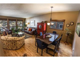 Photo 6: 119 WOODFERN Place SW in Calgary: Woodbine House for sale : MLS®# C4101759