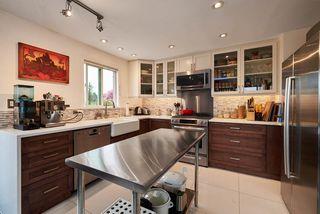 "Photo 2: 362 ALBERTA Street in New Westminster: Sapperton House for sale in ""SAPPERTON"" : MLS®# R2161748"