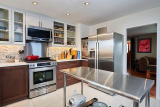 "Photo 3: 362 ALBERTA Street in New Westminster: Sapperton House for sale in ""SAPPERTON"" : MLS®# R2161748"