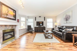 "Photo 4: 26 9036 208 Street in Langley: Walnut Grove Townhouse for sale in ""Hunter's Glen"" : MLS®# R2159058"