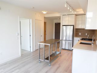 "Photo 3: 502 200 NELSON'S Crescent in New Westminster: Sapperton Condo for sale in ""THE SAPPERTON"" : MLS®# R2190358"