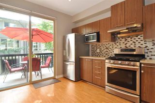 """Photo 7: 118 100 KLAHANIE Drive in Port Moody: Port Moody Centre Townhouse for sale in """"INDIGO"""" : MLS®# R2196752"""