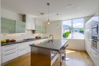 Photo 10: MISSION HILLS Rowhome for sale : 3 bedrooms : 2710 1st Ave in San Diego