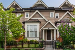 "Photo 1: 24 3268 156A Street in Surrey: Morgan Creek Townhouse for sale in ""GATEWAY"" (South Surrey White Rock)  : MLS®# R2201542"