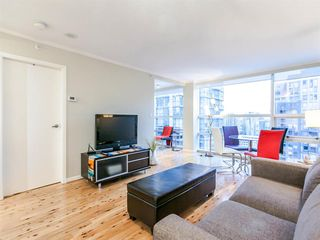 "Main Photo: 1409 1050 BURRARD Street in Vancouver: Downtown VW Condo for sale in ""THE WALL CENTRE"" (Vancouver West)  : MLS®# R2213596"
