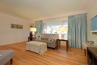 Photo 3: 1017 Gosper Cres in VICTORIA: Es Kinsmen Park House for sale (Esquimalt)  : MLS®# 774628