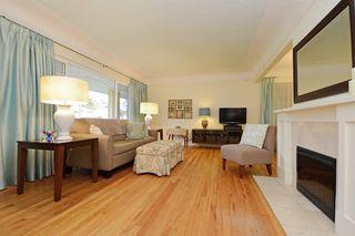 Photo 2: 1017 Gosper Cres in VICTORIA: Es Kinsmen Park House for sale (Esquimalt)  : MLS®# 774628
