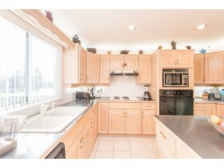 Photo 7: 368 HYTHE Avenue in Burnaby: Capitol Hill BN House for sale (Burnaby North)  : MLS®# R2226832