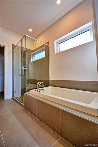 Photo 13: 145 Highland Creek Road in Winnipeg: Bridgwater Forest Residential for sale (1R)  : MLS®# 1800130