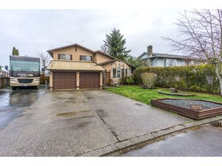 Photo 1: 3373 OKANAGAN Drive in Abbotsford: Abbotsford West House for sale : MLS®# R2235780