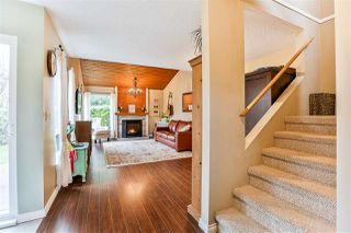 """Photo 9: 6187 E GREENSIDE Drive in Surrey: Cloverdale BC Townhouse for sale in """"Greenside Estates"""" (Cloverdale)  : MLS®# R2237894"""